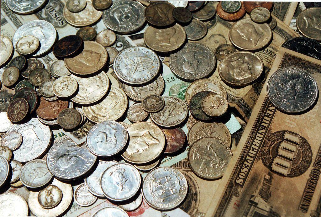 متى بدأ استعمال النقود وكيف؟