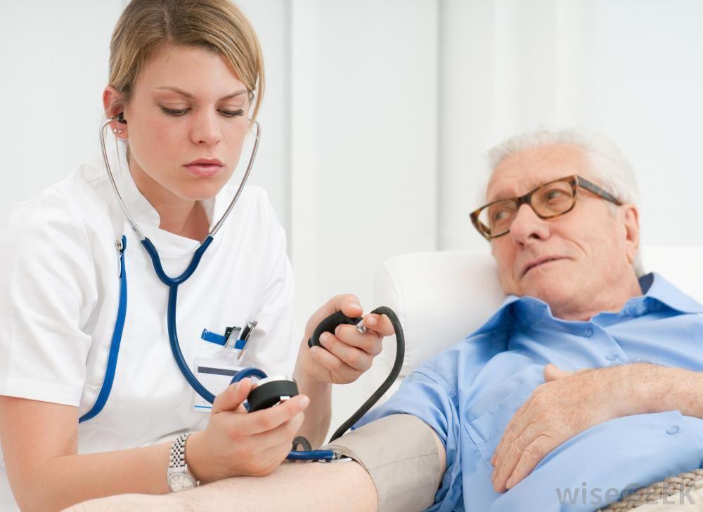 نقص الألدوستيرونية: الأسباب والأعراض والتشخيص والعلاج