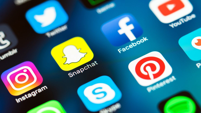 كيف تكشف وسائل التواصل الاجتماعيّ الخاصة بك عن مزاجك؟