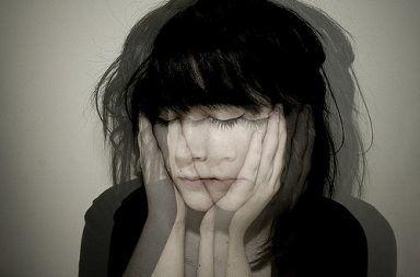 عشرة أعراض خفية لمن يعانون من الذهان الأعراض الخفية التي يمكن ملاحظتها على الأشخاص المصابين بالذهان التوتر القلق المزاج الكئيب