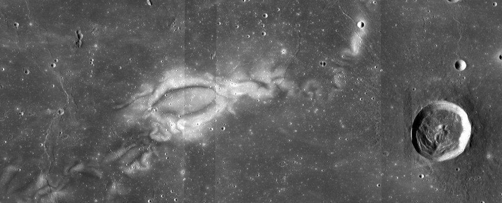 علماء يكتشفون أخيرًا أصل الأشكال الغامضة على سطح القمر