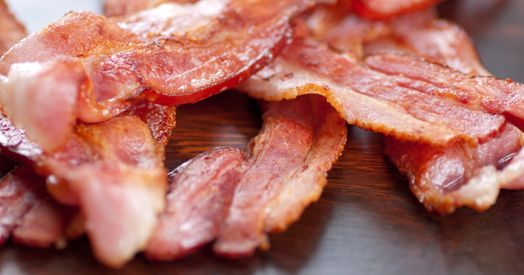 اللحوم المصنعة غنية بالدهون المشبعة