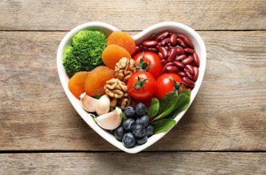 الحمية الملائمة لمرضى ضغط الدم المرتفع - ما هي الأطعمة التي يجب على مرضى الضغط تناولها - ما هي الأغذية التي يجب على المصابين بالضغط تجنبها