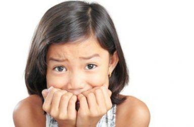 تأخر البلوغ عند الإناث الأسباب والأعراض والتشخيص والعلاج أسباب البلوغ المتأخر عند الفتيات الدورات الطمثية الهرمونات الجنسية