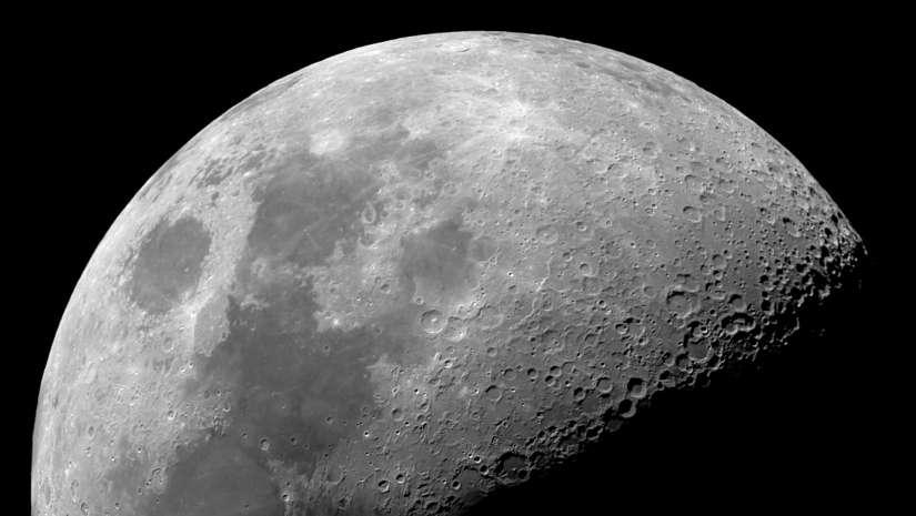 عمر القمر الصخور القمرية النظام الشمسي أبولو