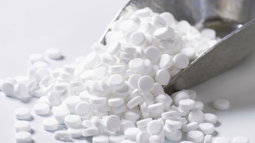 هذه المواد المتواجدة في الطعام و مساحيق التجميل ليست مضرة للدرجة التي تظنها المواد الكيميائية الموجودة في الطعام البارابين السكرين الأسبارتام