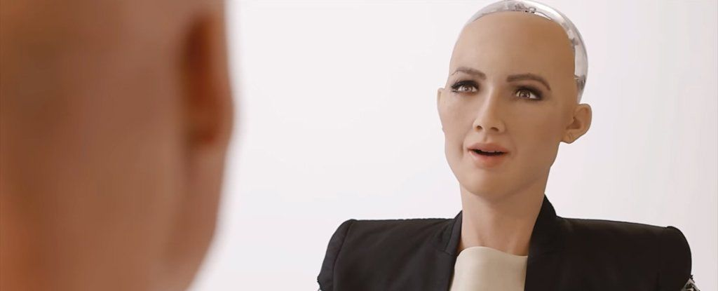 سخرية القدر: أول مواطن ذو ذكاء اصطناعي عالميًا في السعودية وقد بدأ بالدعوة لاحترام حقوق المرأة فيها