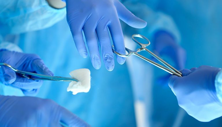تطور جراحة الفتوق الإربية عبر التاريخ تُقسم الفتوق الإربية من الناحية التشريحية إلى فتوق مباشرة وغير مباشرة الفتوق الخطيرة