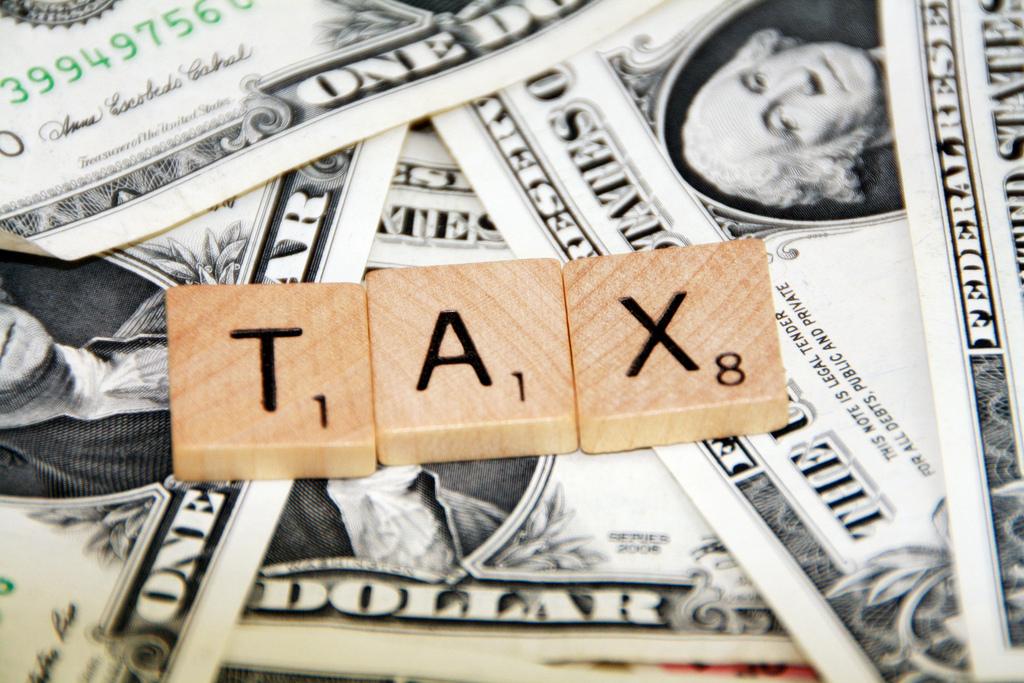 الفروق بين أنواع الضرائب (التنازلية والتصاعدية والنسبية) - تؤثر الضريبة التنازلية على أصحاب الدخل المنخفض أكثر مما تؤثر على أصحاب الدخل المرتفع
