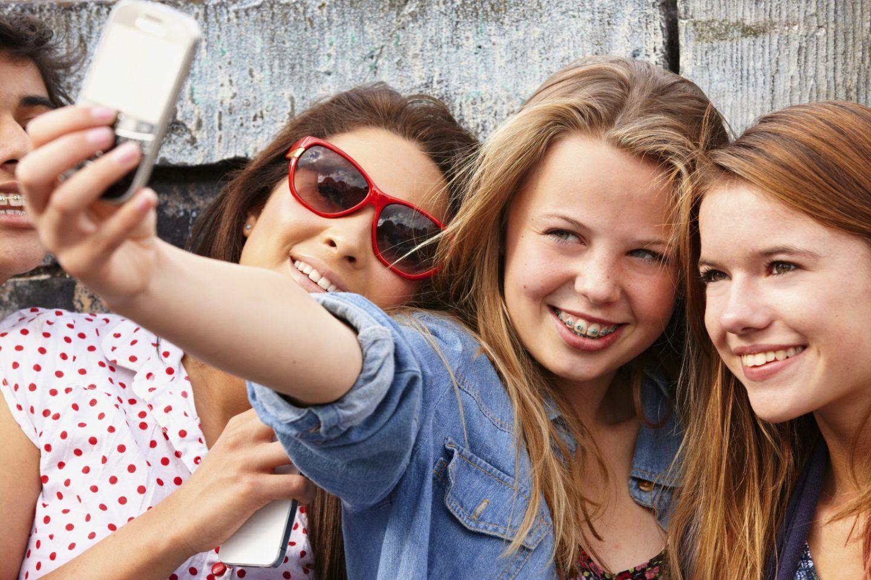 الهواتف الذكية سيئة لبعض المراهقين، وليس الكل