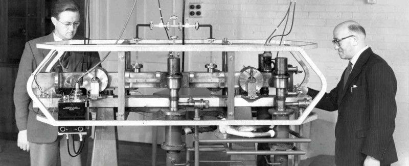 كيف تستطيع الساعات الذرية الحفاظ على دقة الوقت لمليارات السنين؟