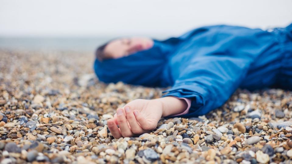الغشي (الإغماء): الأسباب والأعراض والتشخيص والعلاج - ماذا يعني أن يغشى على الشخص؟ - لماذا قد تفقد الحامل وعيها - الإغماء من التعب