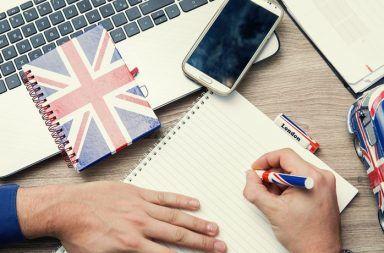 طريقة مجربة من أجل تعلم الإنجليزية بمساعدة الأفلام والأغاني مع نصائح خبراء في تعليم اللغات وروابط تحميل برامج وكتب ومواقع مساعدة