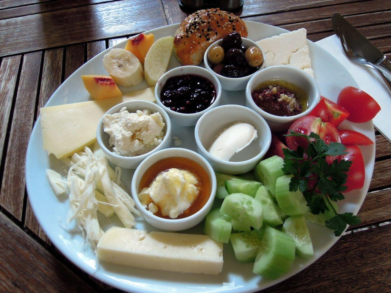 وجبة الإفطار: هل هي حقًا أهم وجبة؟