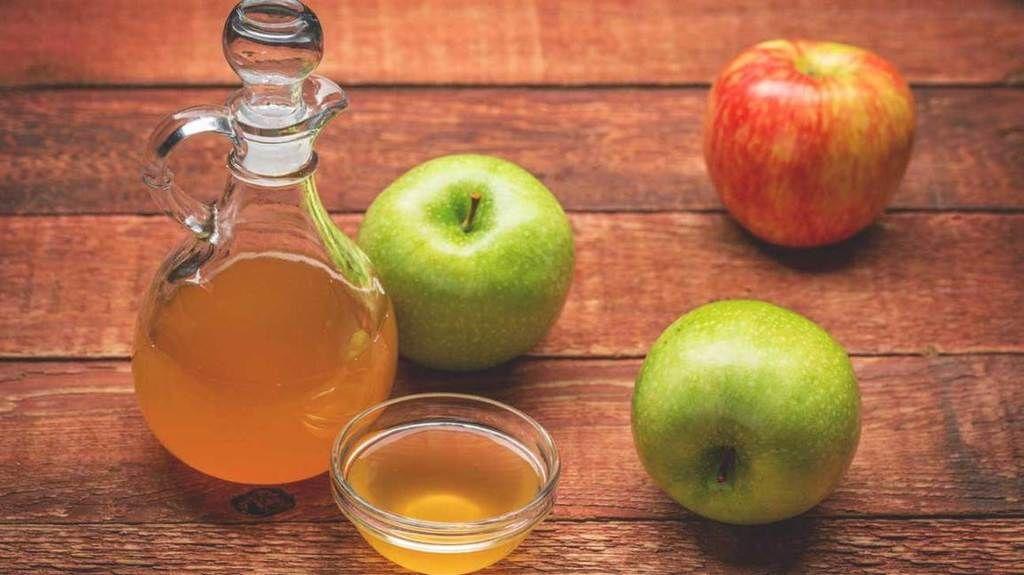 هل يمكن أن يساعد خلّ التفاح في علاج التهاب المفاصل والتخفيف من الإمساك والإكزيما؟