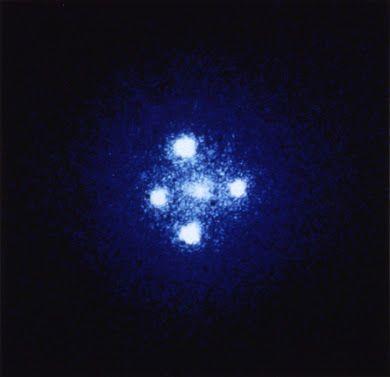 صورة لتقاطع أينشتاين. مصدر الصورة: wikimedia