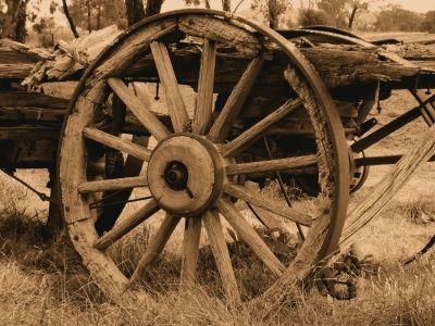 كيف تم اختراع العجلة لماذا قام البششر باختراع العجلات على تقوم العجلة بنقل الحمولات تاريخ استخدام العجلات واحد من أكثر الاختراعات إفادةً للبشرية