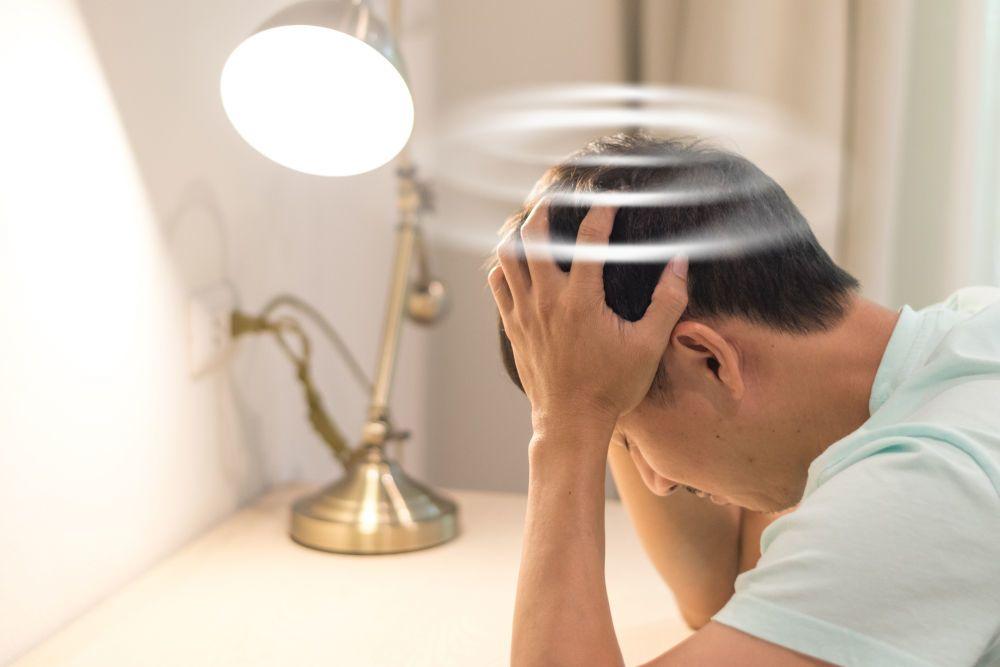 أسباب دوار الوضعة الانتيابي الحميد علاج دوار الوضعة الانتيابي الحميد الأسباب والأعراض والتشخيص والعلاج اضطراب في الاذن الداخلية