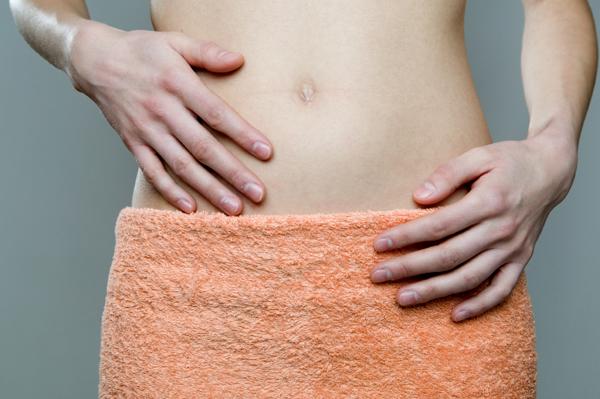الداء المهبلي (أمراض المهبل) - حالة مرضية تؤثر على المهبل كاملًا أو جزء منه - فيروس الحلأ البسيط - ألم في المهبل - المفرزات المهبلية الطبيعية